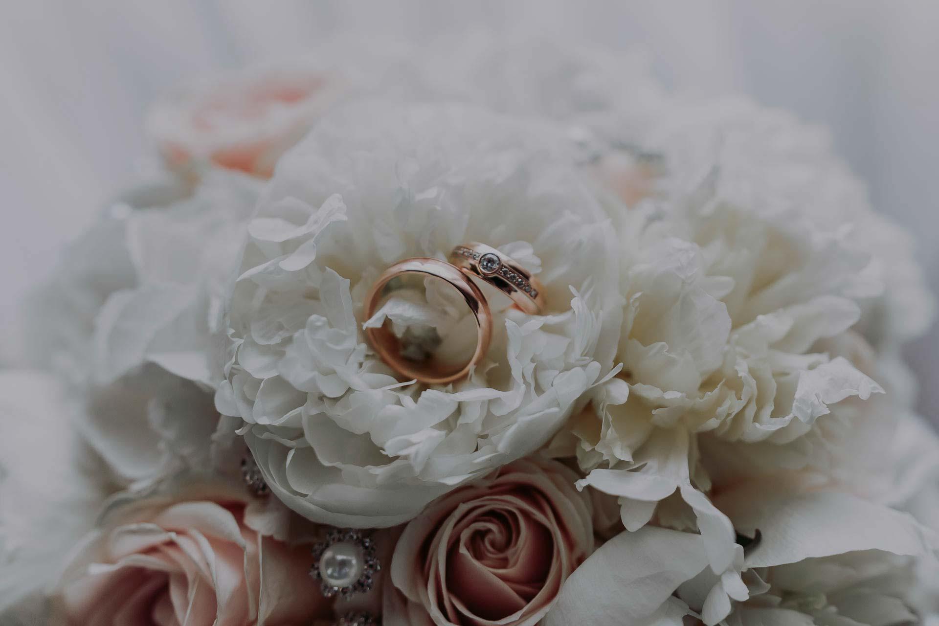 esküvői gyűrű fotó